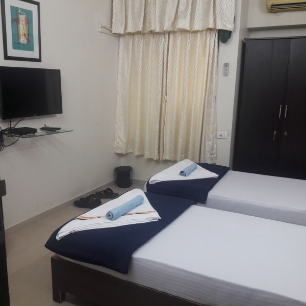 Bed & Breakfast serviced 1,2,3 Rooms close Millennium Business Park-Short stay rooms Ghansoli MBP Mahape