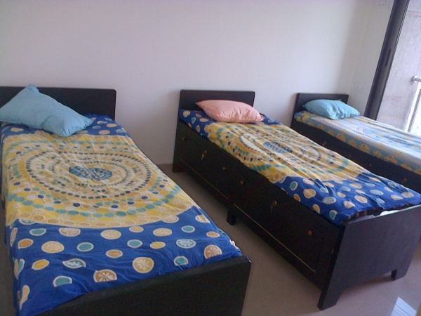 College student pg rooms near Xaviers college Sophia college