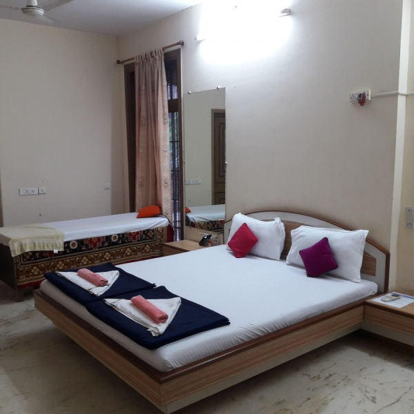 Paying guest near RIL office -Thane Belapur rd. pg Reliance Industires Ltd. Corporate Office