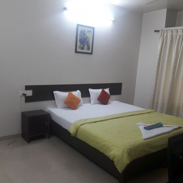 1,2,3 bhk serviced apartment near Viviana Mall Pokhran rd.-Short stay flat near Viviana mall