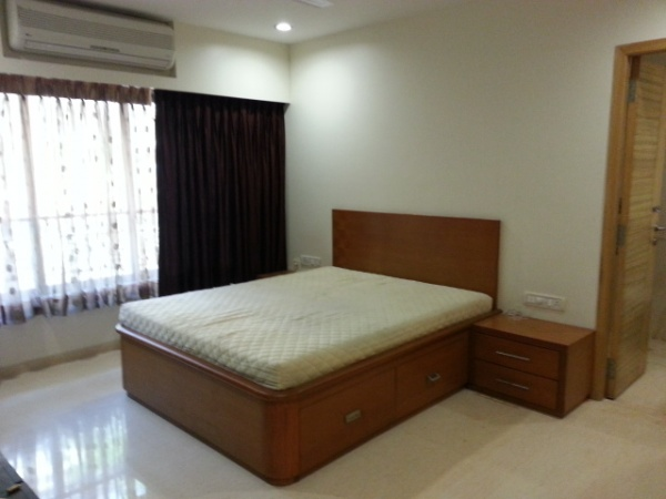 2 bhk flat share at Pali hill Bandra - Apartment share working executives near BKC