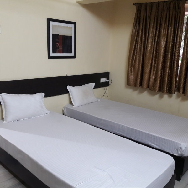 Serviced apartment near US consulate Embassy BKC - Bandra service apartment close US Consulate General, Mumbai